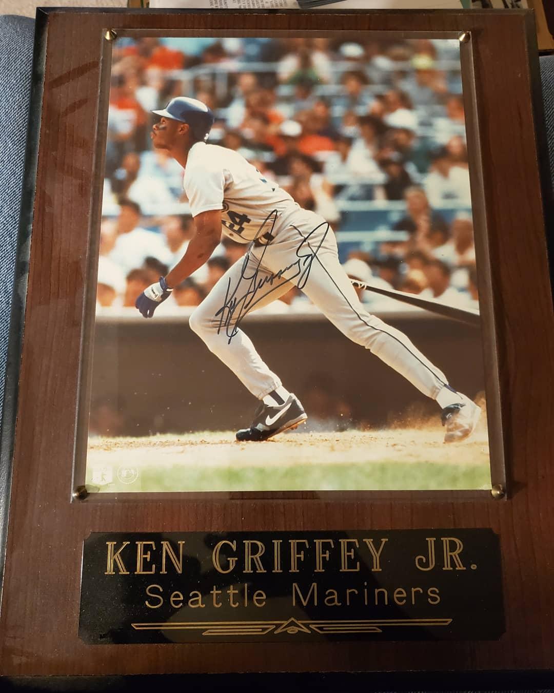 Happy 50th birthday to Ken Griffey Jr.