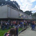 Image for the Tweet beginning: #Caracas | En la plaza