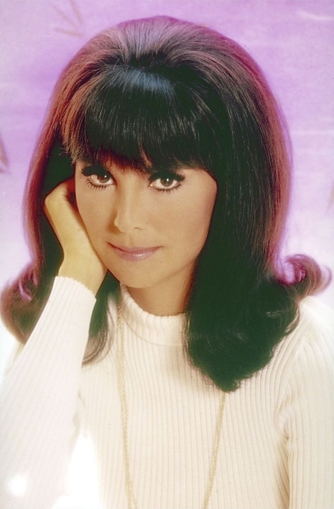 Today is my birthday and I share it with two of my faves, Marlo Thomas and Goldie Hawn. Happy Birthday to us!