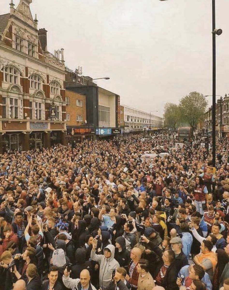 West Ham fans on the day of the last game at Upton Park, the streets were mobbed everywhere around the ground. What a stadium Upton Park was... #WHUFC