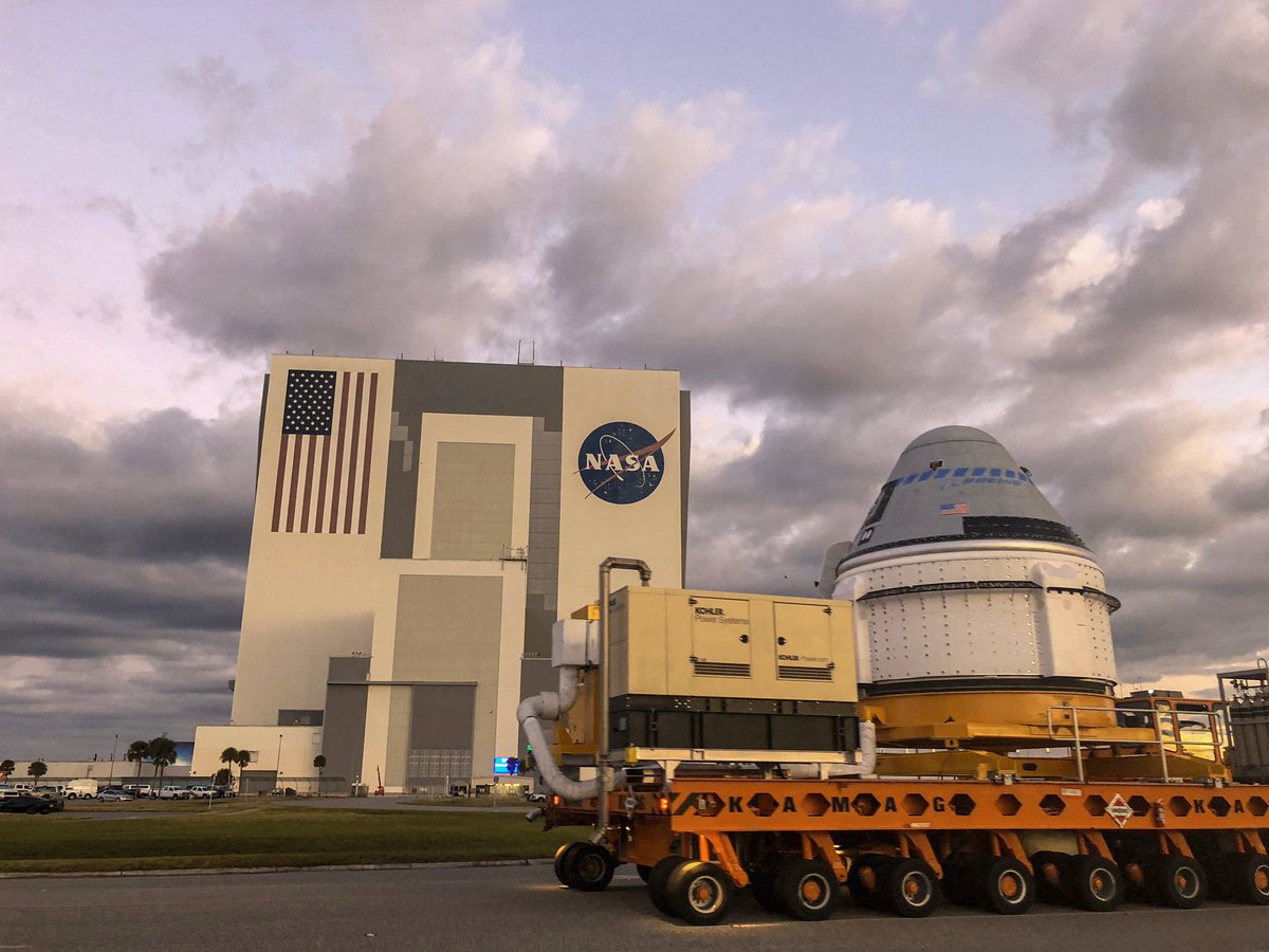 .@BoeingSpace's CST-100 Starliner has started its journey to SLC-41! Once it arrives, the spacecraft will be stacked on top an Atlas V rocket for final processing ahead of the Orbital Flight Test launch. https://go.nasa.gov/2KGDcUd