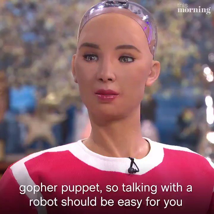 Today there was a first on #ThisMorning as we welcomed an actual, real-life robot onto the sofa for a chat 🤖 @RealSophiaRobot not only drew pictures of @hollywills and @schofe, she also summoned the memory of Gordon the Gopher! 😂