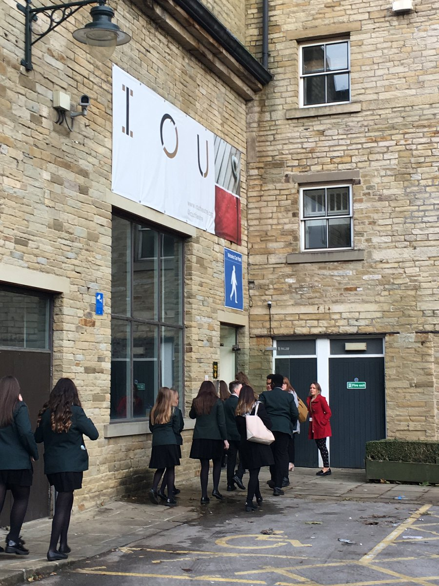 TAH students were given a rare glimpse into the world of the IOU Theatre at @deanclough as part of creative careers week. The students chosen to take part were the cast of the next academy musical. We hope to see them on stage at the IOU Theatre in the future! #Marypoppins