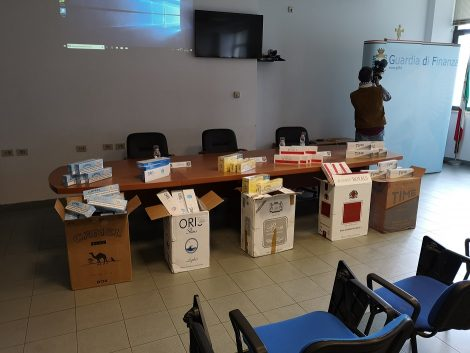 Bloccato in mare carico di sigarette, 7 fermi per contrabbando - https://t.co/GqyRXR5RDw #blogsicilianotizie