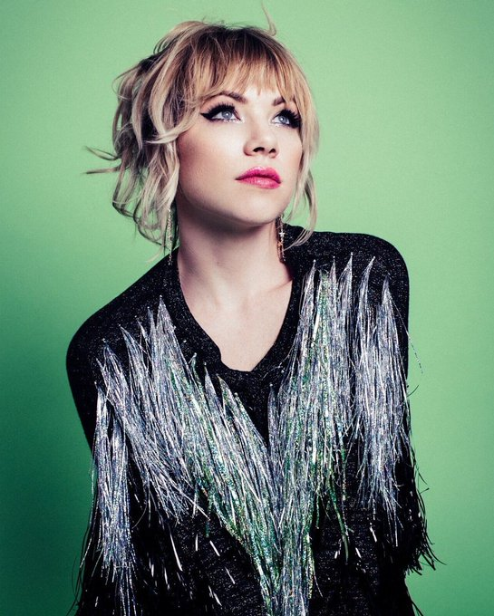 Happy Birthday Carly Rae Jepsen I love you 3000