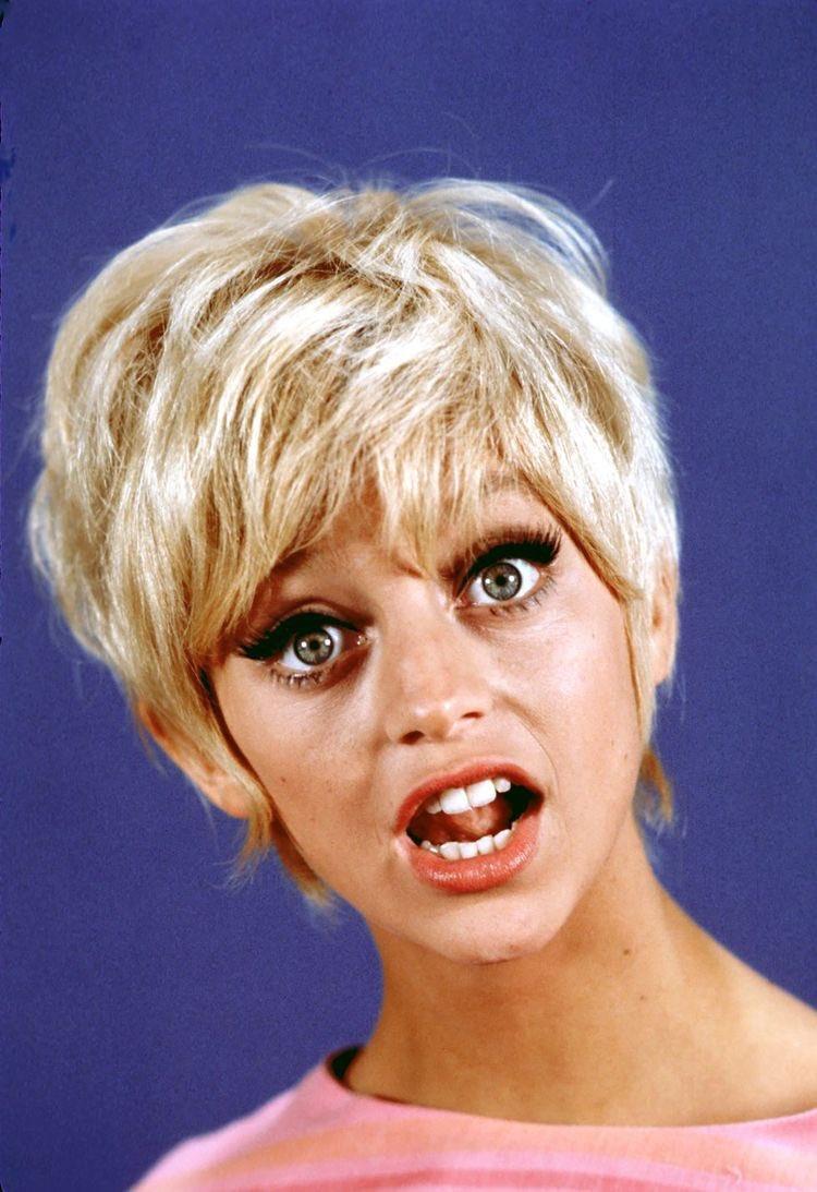 Happy Birthday Goldie Hawn!