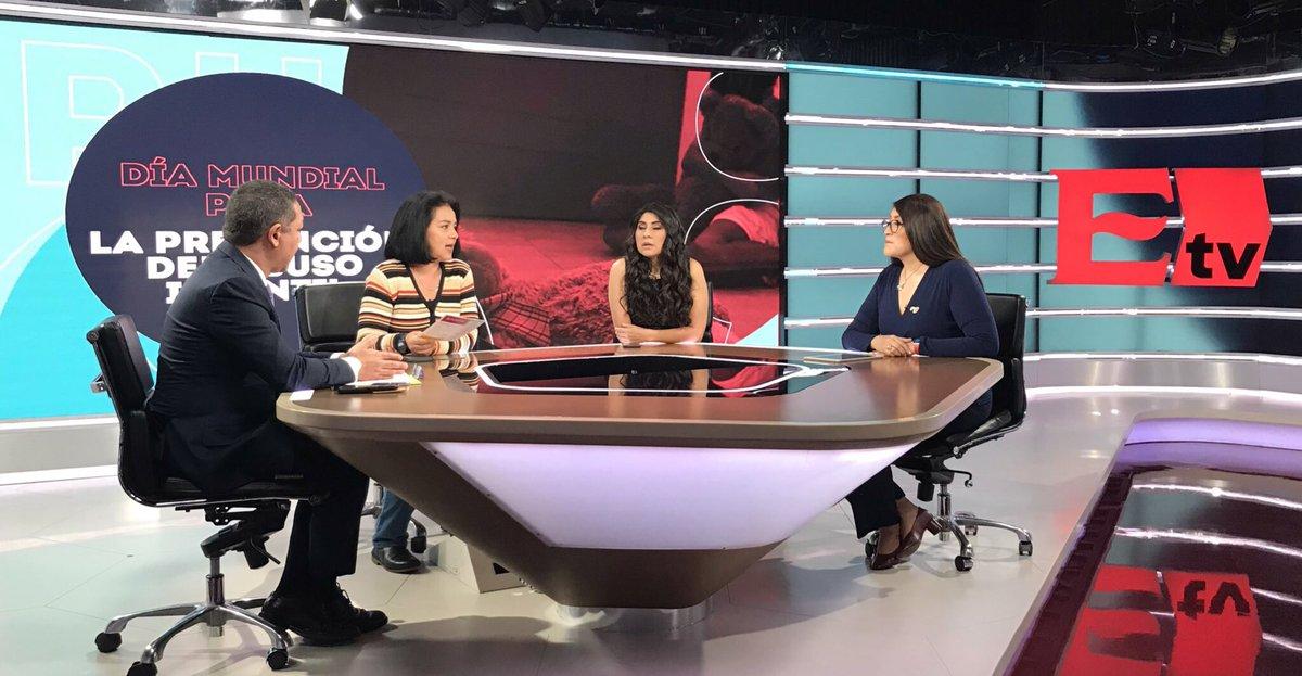 """""""En México necesitamos profesionalizar urgentemente a las autoridades que atienden a niños y niños en la denuncia de abuso infantil porque los revíctimizamos y no se les cree; es urgente homologar las leyes en el país"""": @charoalfarom en @PuntoYComa_tv"""