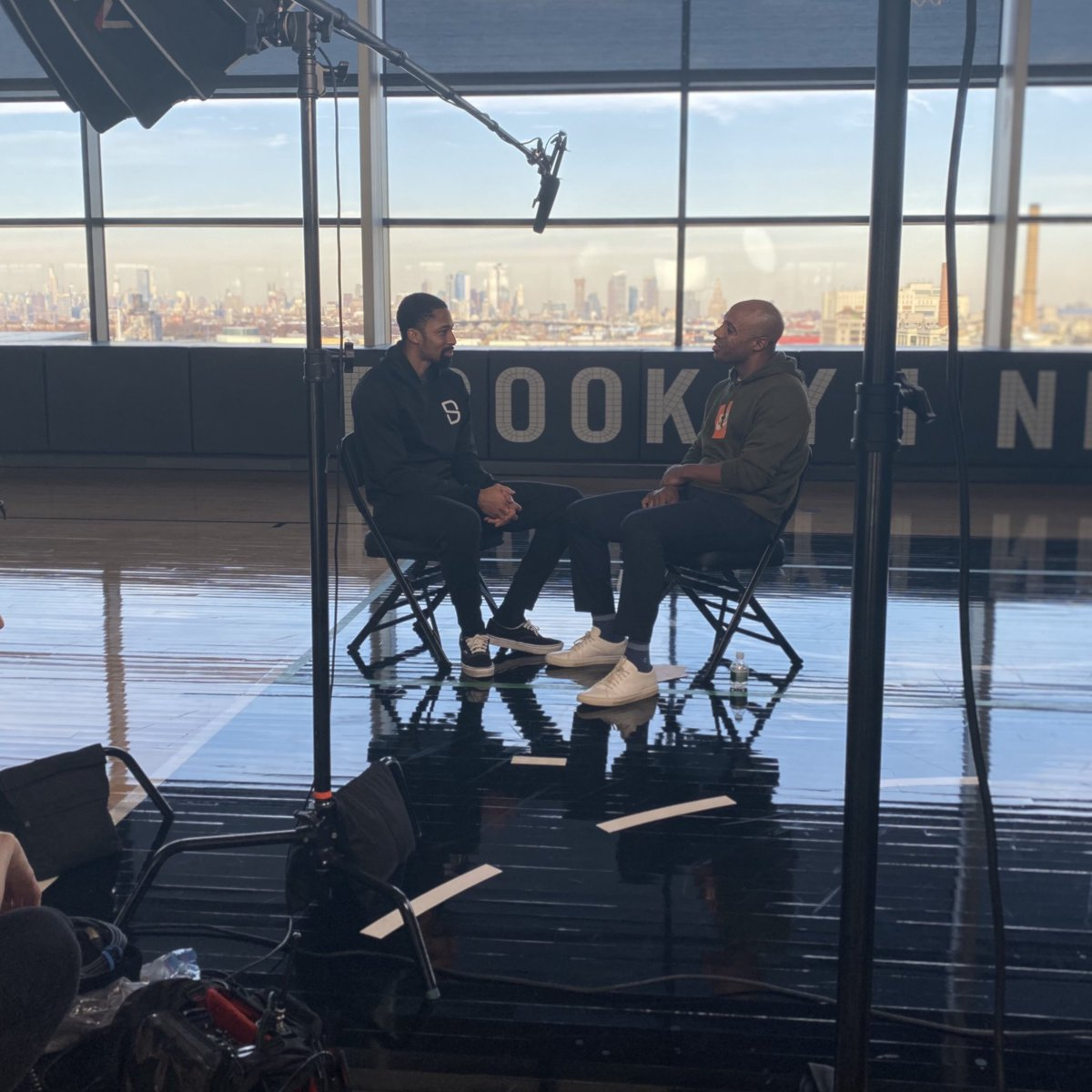 📽 Behind the scenes with @SDinwiddie_25 sitting down with @RealJayWilliams for The @boardroom ⤵️