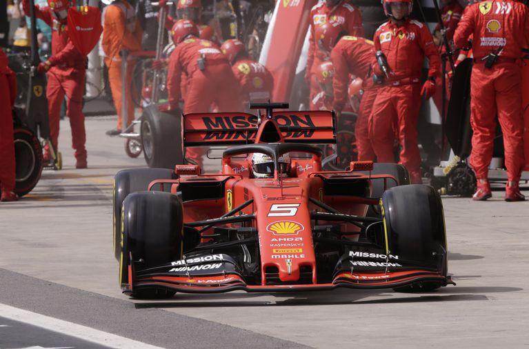 В 2020 году FIA ужесточит правила контроля расхода топлива #Формула1 https://autosport.com.ru/f1/59912-v-2020-godu-fia-uzhestochit-pravila-kontrolya-rashoda-topliva…