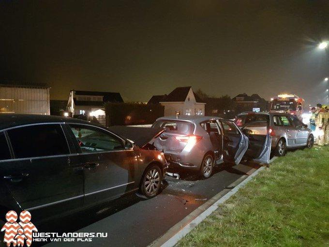 Licht gewonde bij kettingbotsing Nieuweweg https://t.co/e6emtRkW1y https://t.co/f7SfalyEYQ