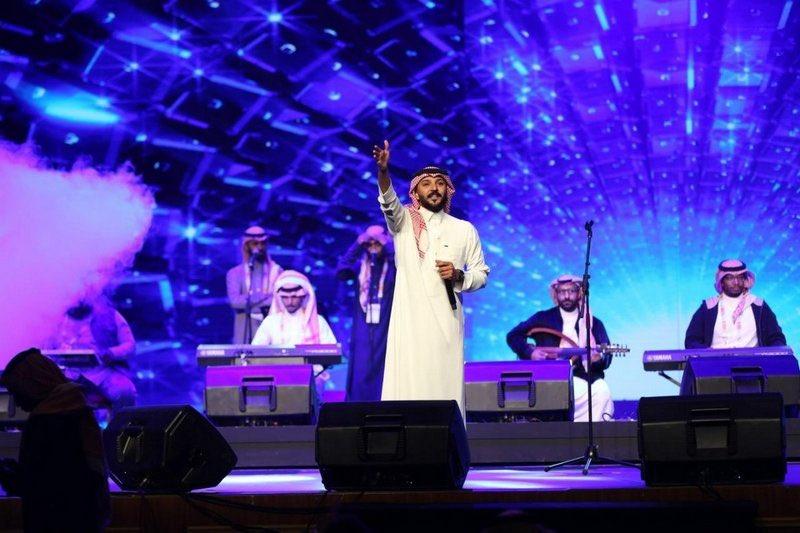 """وسط تفاعل الحضور.. بدء عرض مسرحية """"وش أخبارك"""" في #الرياض.https://sabq.org/2Vq9Rm"""