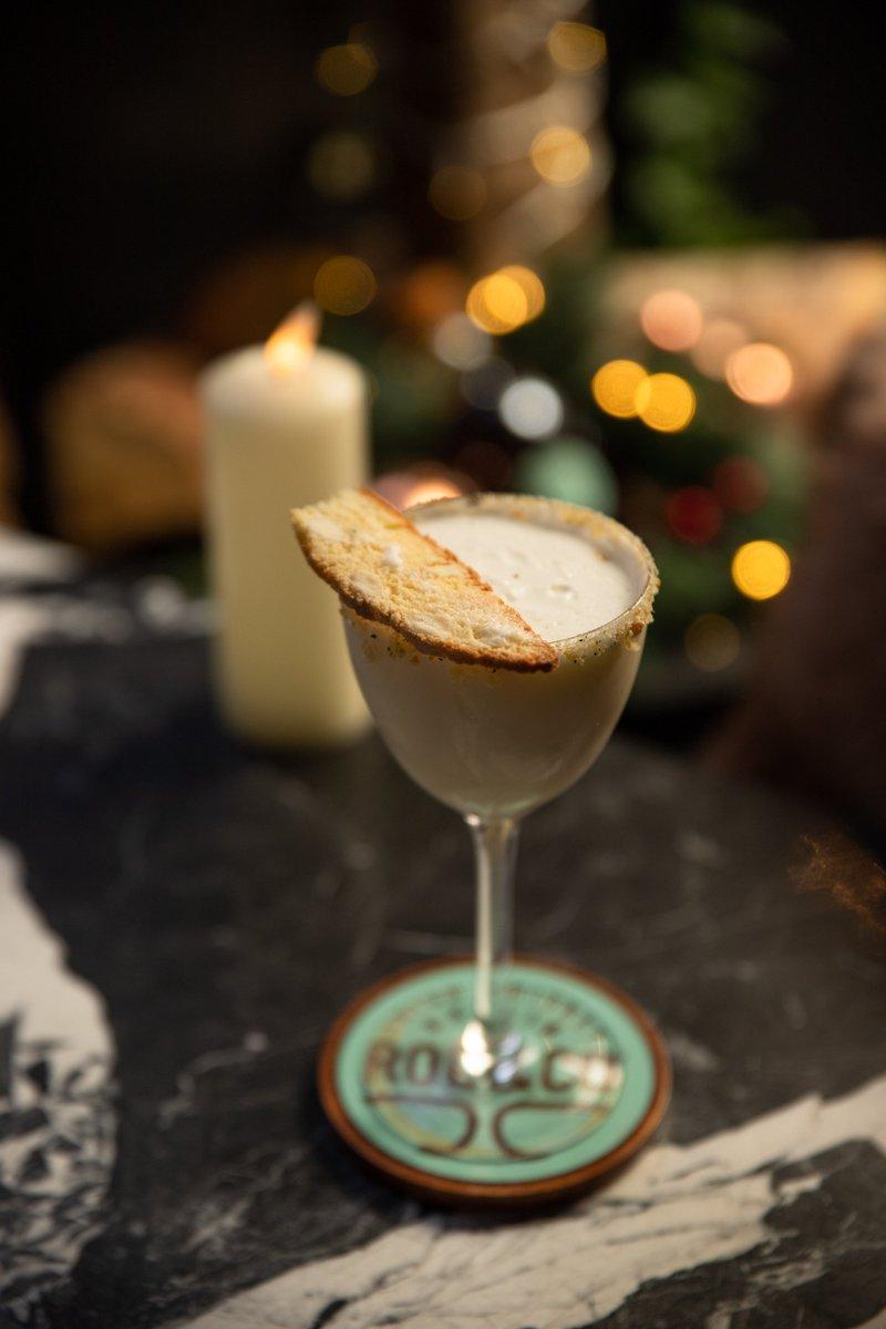 This weekend, indulge in a Ciroc French Vanilla Cookie Martini from our Winter Chalet menu ❤😍 https://t.co/r8EdRBKbTd