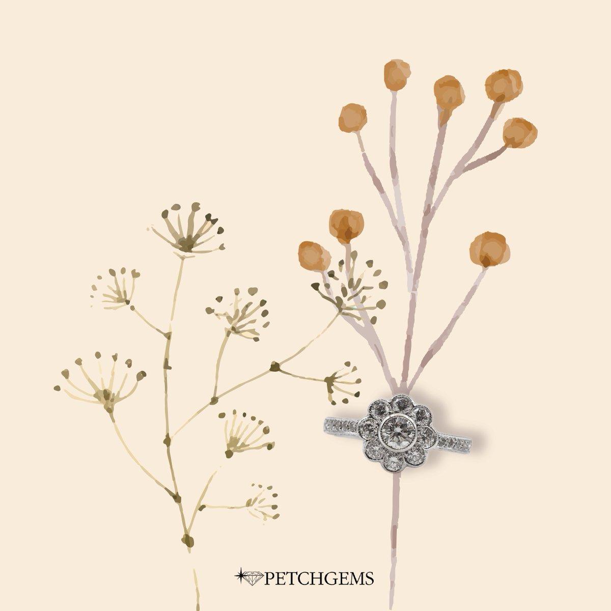 Winter Rain สายลมหนาวและดอกไม้ #แหวนเพชร ออกแบบให้สวยงามดั่งดอกไม้ เพชรล้อมเพชรอีกชั้น เพชรชูดูใหญ่ขึ้นค่ะ  💍แหวนเพชรดอกไม้  🛒ราคาปกติ 56,000 บาท 44,800 บาท #เพชรเจมส์ #ร้านเพชรเชียงใหม่