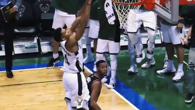 Image for the Tweet beginning: ⏮️ Flashback to 2017... @Giannis_An34's