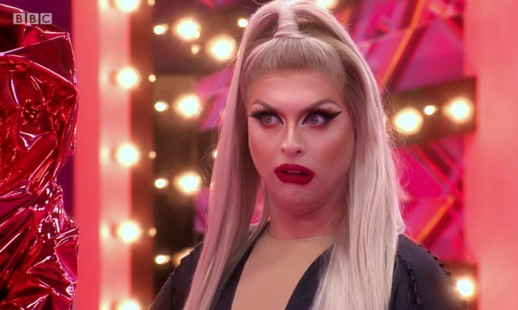 When you thought the lyrics were 'Do the Move' not 'To the Moon' #dragraceuk
