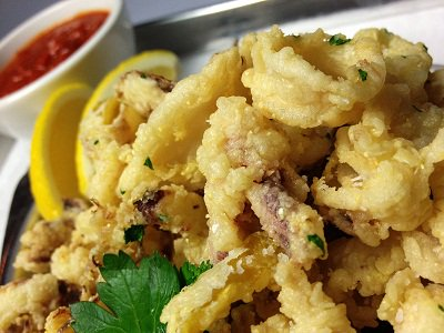 $5 Lemon Drop #Martinis on Friday while sharing a Fried Calamari Appetizer! BOOM! Weekend plans made! #drinkspecial https://t.co/eQp3Vw0oDG
