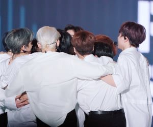 Maybe not todayMaybe not tommorowBut one day, we will all wake up to a flowery road ahead of us.From the bottom of my heart, congratulations boys. 💗💓 you did it. I love you.#X1_1stAward  #엑스원의_한쪽_날개가_될게 @x1members @x1official101
