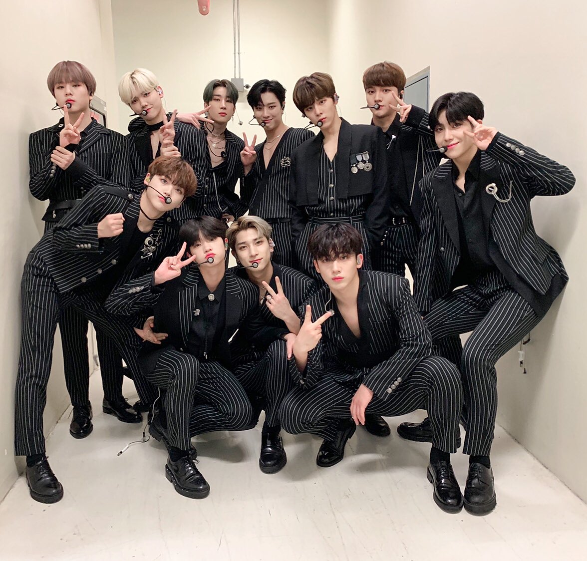 I didn't have the chance to participate on the hashtag event last night because it was late night and I slept early 😭Though I know it's already late but...X1, you really deserve the trophy and we'll promise to giv eyou more trophies.#X1_1stAward
