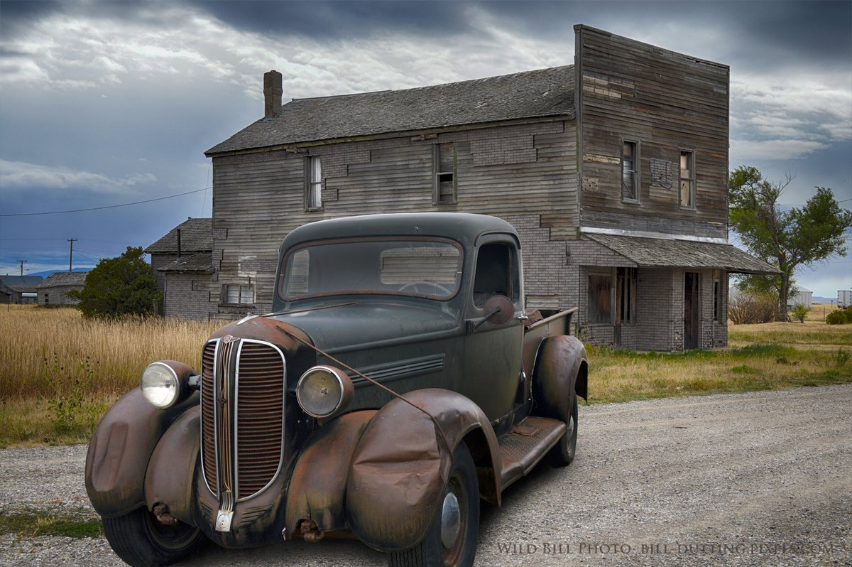 #Car 🚗 Awesome of the Day: Black & Brown Rusty #Steampunk-ish ⚙️ #Dodge Bros #Pickup via @wildbillphoto #SamaCars