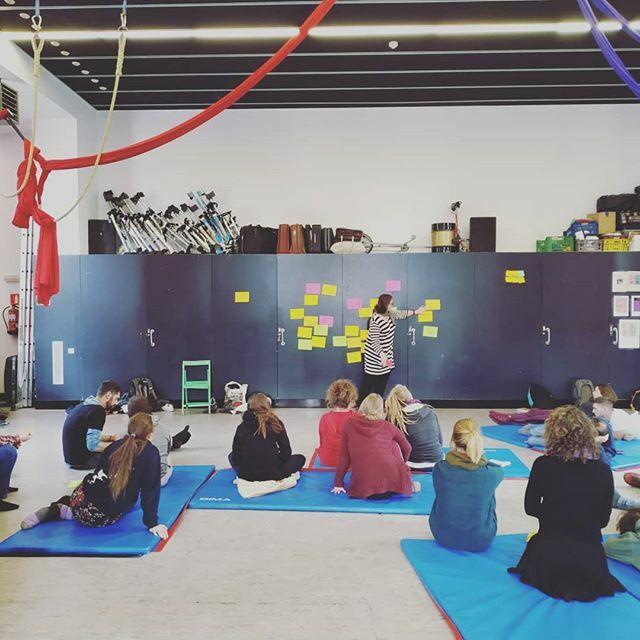 #ASK masterclass in Barcelona Day 1 Nos vamos conociendo.  @feecse @ateneu9b @eycocircus @nuorisosirkusliitto  #circus #erasmusplus #circo #training #formación #exchange #intercambios https://ift.tt/34ahBLA