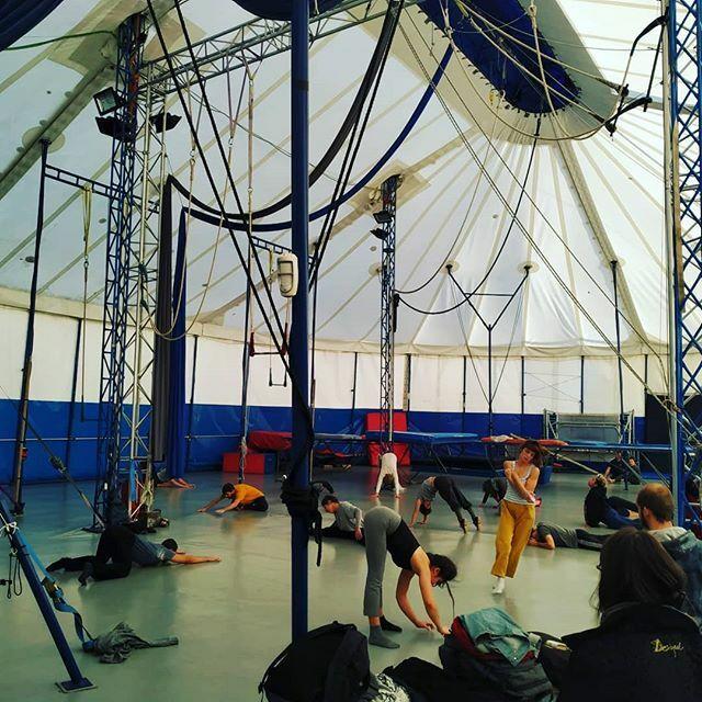 #ASK masterclass in Barcelona Day 2 Visitando Centre Arts Circ Rogelio Rivel @la_rogelio  @feecse @ateneu9b @eycocircus @nuorisosirkusliitto  #erasmus plus #circusexchange #circo #training #barcelona #circus #cirquesocial #circosocial #socialcircus #Assi… https://ift.tt/2QG6nL1