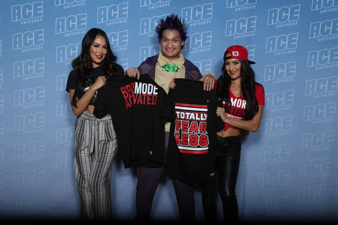 Happy birthday to the leaders of the Bella Army Nikki Bella and Brie Bella!