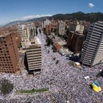 Image for the Tweet beginning: #Colombia: Hundreds of thousands took
