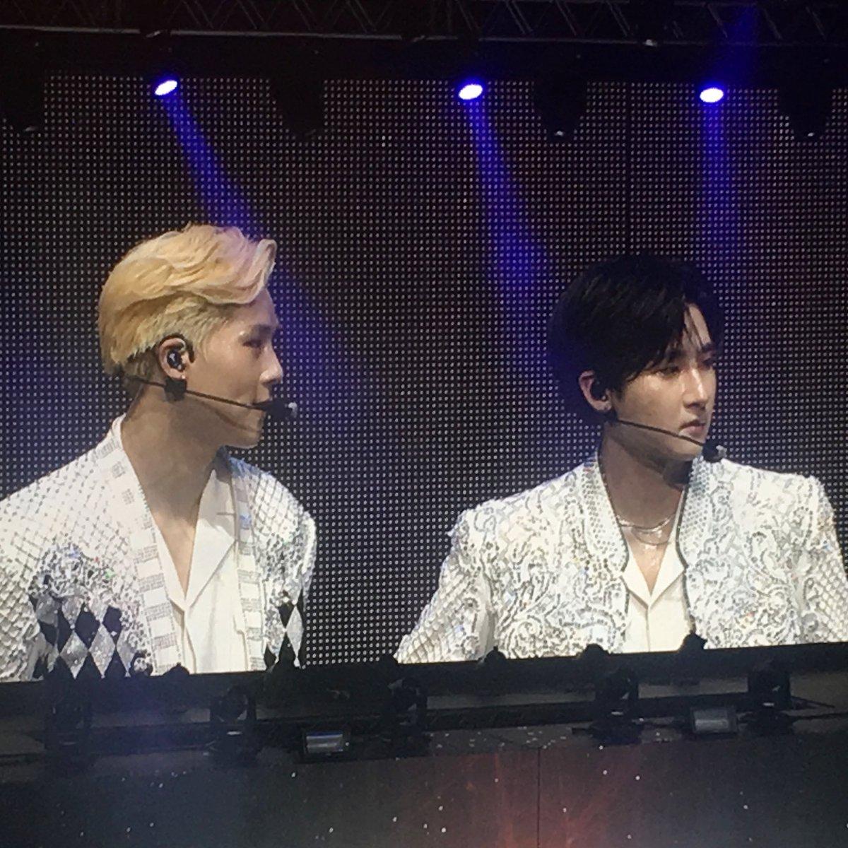 Such an awesome duo! ©justsome_kpopthings monsta x London June 2018 #imchangkyun #leejooheon #monstax #wonho #im #joohoney #minhyuk #jooheon #shownu #hyungwon #kihyun #kpop #starship #starshipentertainment #starshipprotectmonstax7 #TurnTheTideForMX7