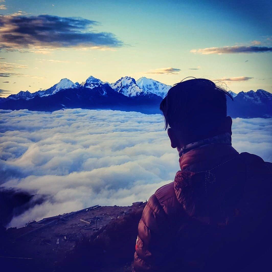 A great place to see sunset and a long ranged massif.  . http://frolicadventure.com/gosainkunda-lake-trek… . #gosainkunda #gosainkundalake #trek #shorttrekinnepal #viewpoint #sunrise #sunset #himalaya #mountains #massif #landscapephoto #nepal8thwonder #nepalnow #trekkinginnepal #photography @Bookmundi