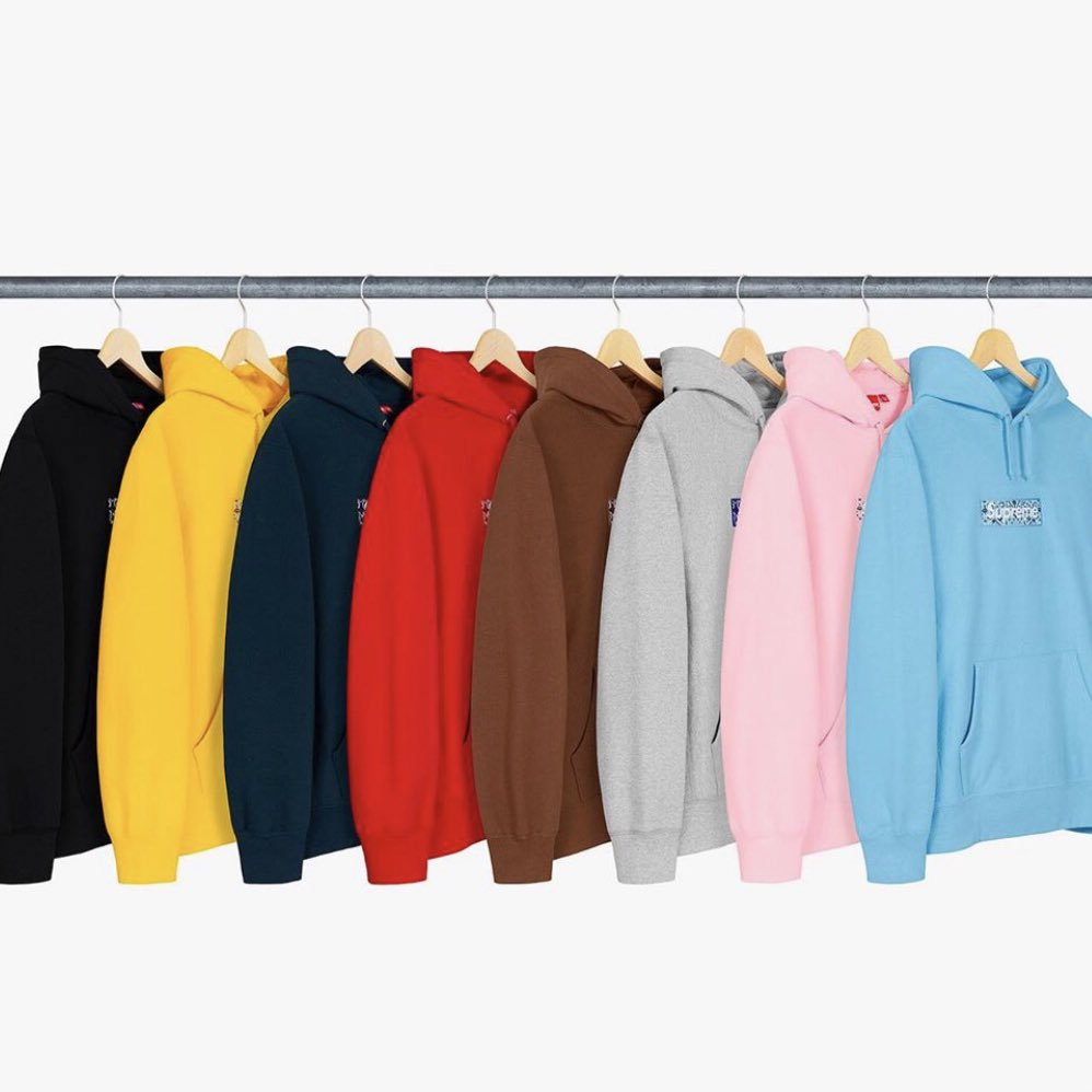 Supreme Box Logo #AD  Autocheckout slot giveaway  How to enter:  Follow @Solidnotify  RT Like Comment your size  Will choose 1 winner!  Stay tuned for more giveaways tomorrow!! <br>http://pic.twitter.com/R1Mov4k8di