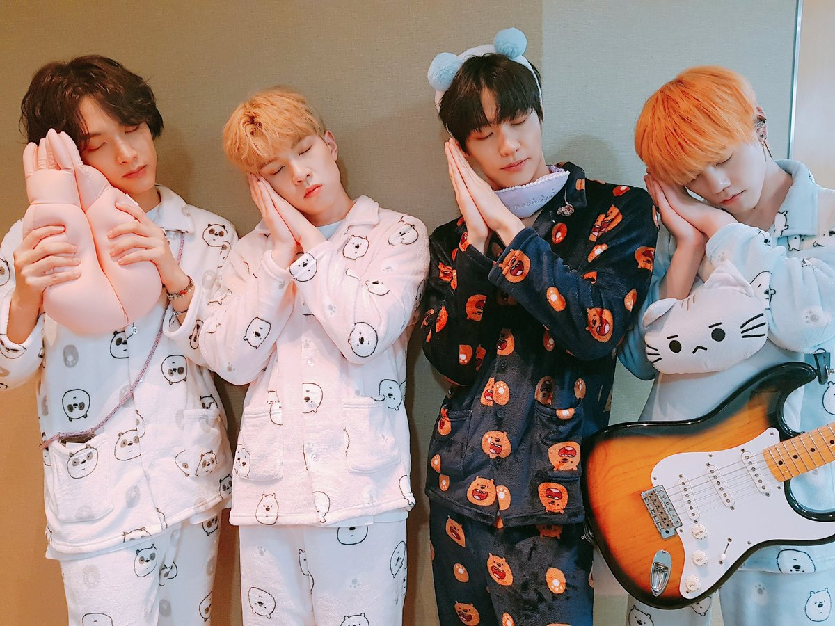 """*A.C.E approaching N.Flying after MCountdown* ACE: """"N.Flying-sunbaenim, may we borrow your pajamas??"""" NF: """"Huh? Ok sure. Why not?""""  Anyways, stan ACE and NFlying!! <br>http://pic.twitter.com/lx63sgjckQ"""