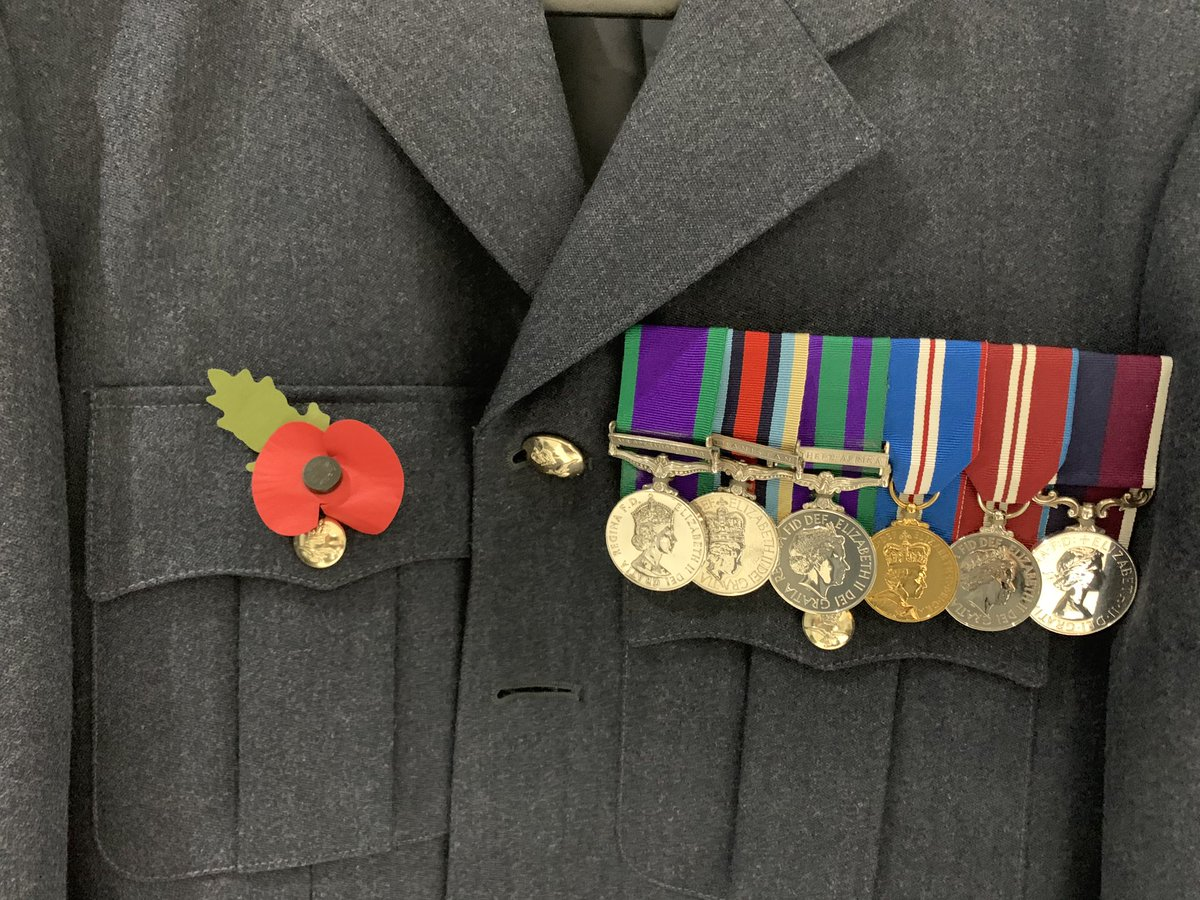 My last Remembrance Day in uniform. Sad day for so many reasons today #RemembranceDay @RoyalAirForce @PoppyLegion https://t.co/sdTDDoc203