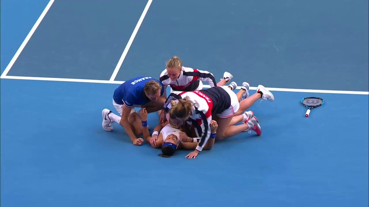 THEY'VE DONE IT!   Congratulations to France who are 2019 Fed Cup champions! 🇫🇷 🏆  #TousEnsemBleu #FedCupFinal https://t.co/IVtmqfry8o