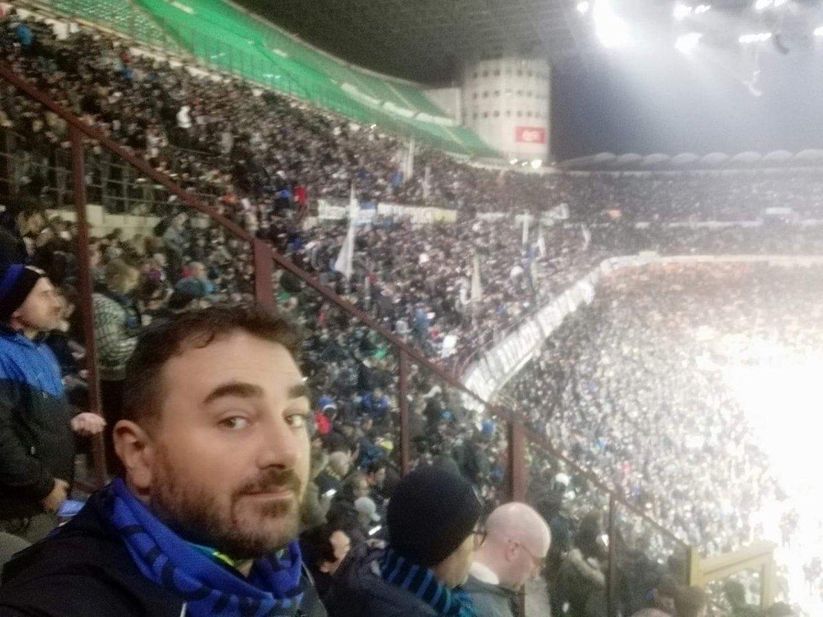 RT @PAnnicchino: Ieri a #SanSiro a fare il nostro ...