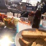 Image for the Tweet beginning: Frühstück.  In der Sonne geht's