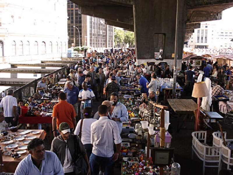 #Brazil #RiodeJaneiro  Nestled in the heart of Rio de Janeiro, Feira de Antiguidades da Praça XV is regarded as one of the best flea markets in Latin America. From vintage cameras to historic relics, second-hand clothing to antique furniture and everything in between. <br>http://pic.twitter.com/mVJa4uh8Dd