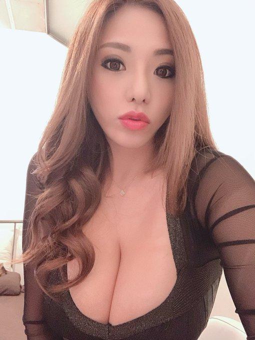 AV女優の自撮りエロ画像35