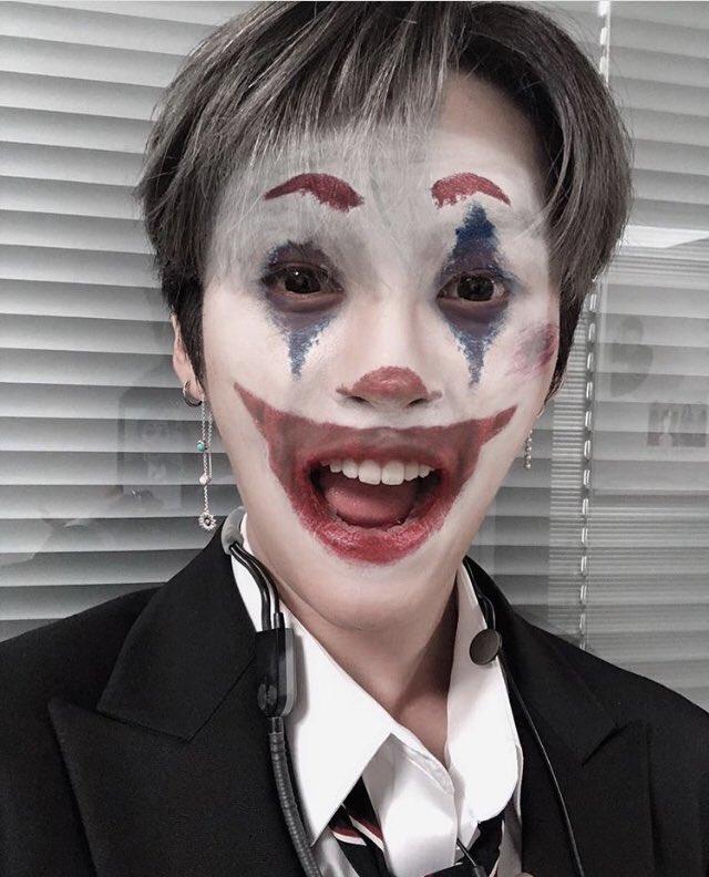 Minho did Stays for SSD <br>http://pic.twitter.com/hUskj5xVMC
