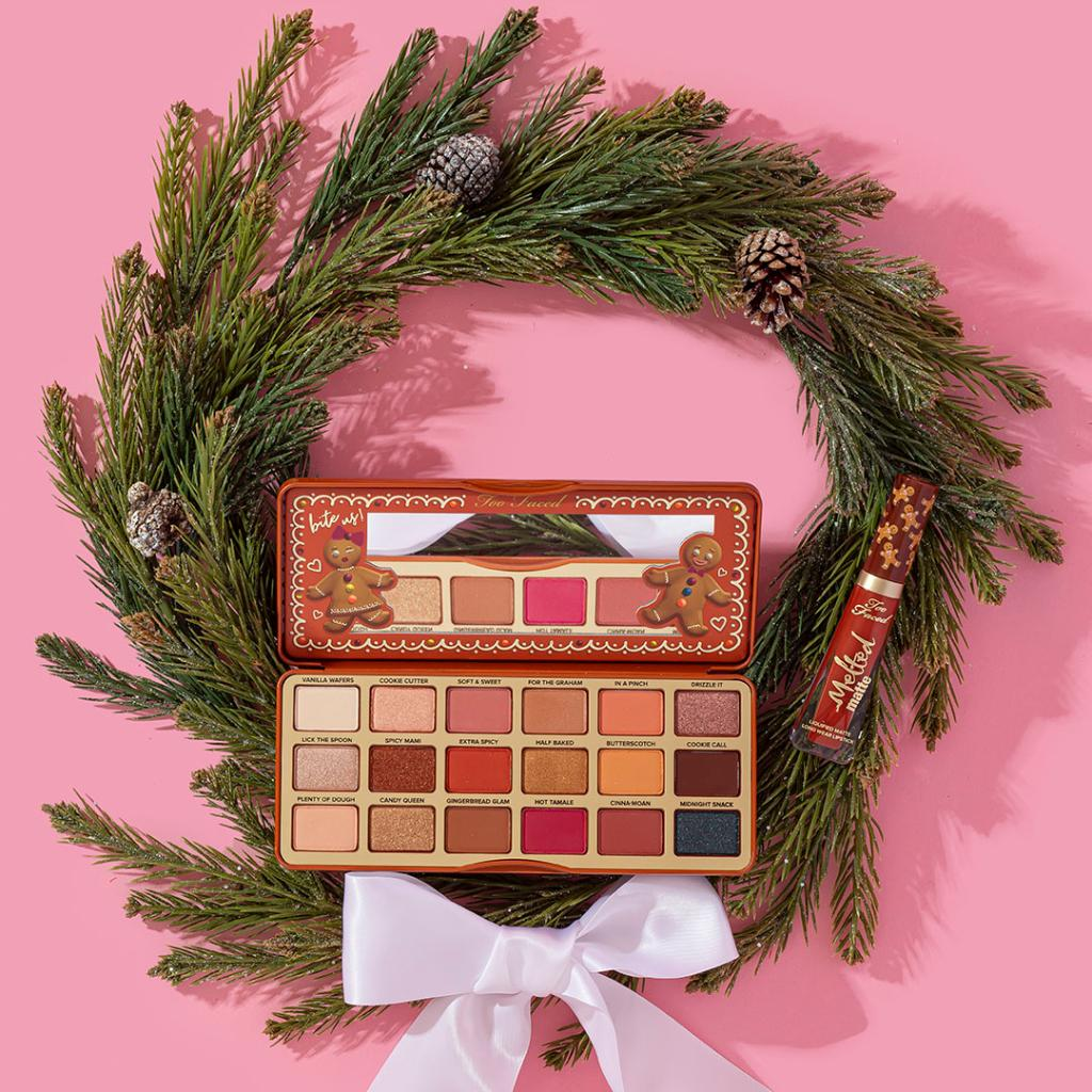Freshly baked gingerbread...in a PALETTE 😋 We suggest pairing these 18 gorgeous, rich & spicy shades with our Melted Matte Lipstick in shade Gingerbread Man for the ULTIMATE Christmas look! 😍Shop it for a limited time HERE: http://bit.ly/2NvyyKv