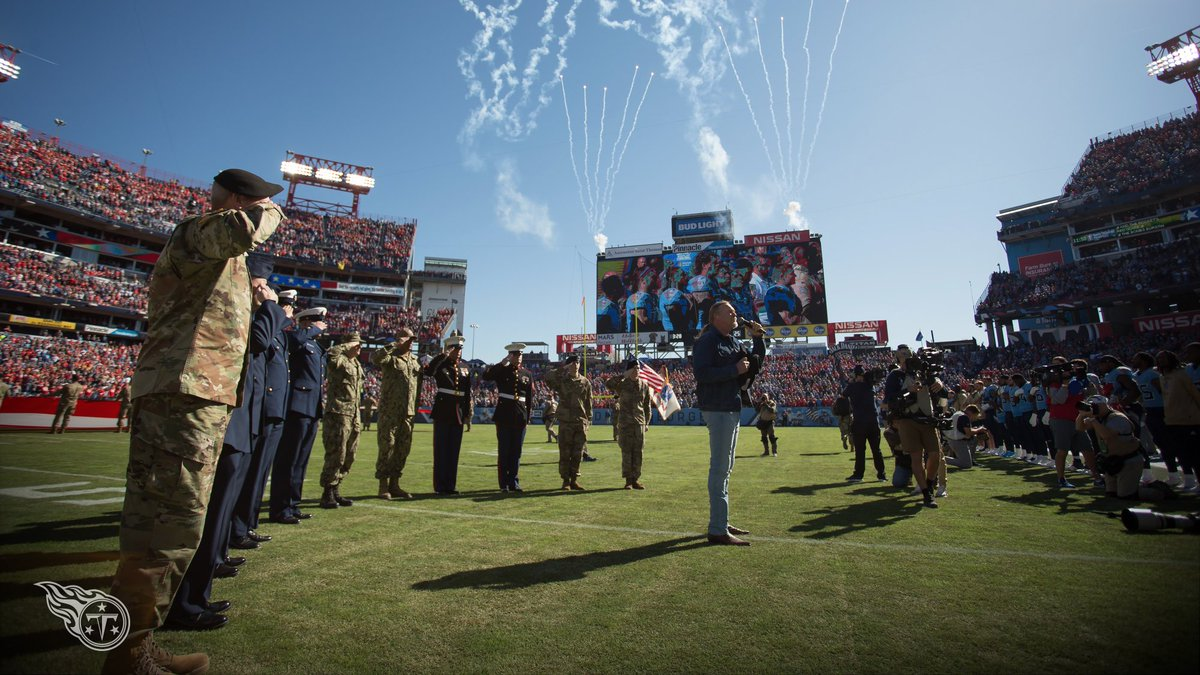 Thank you to @TraceAdkins for an incredible National Anthem. #KCvsTEN 🇺🇸🎤