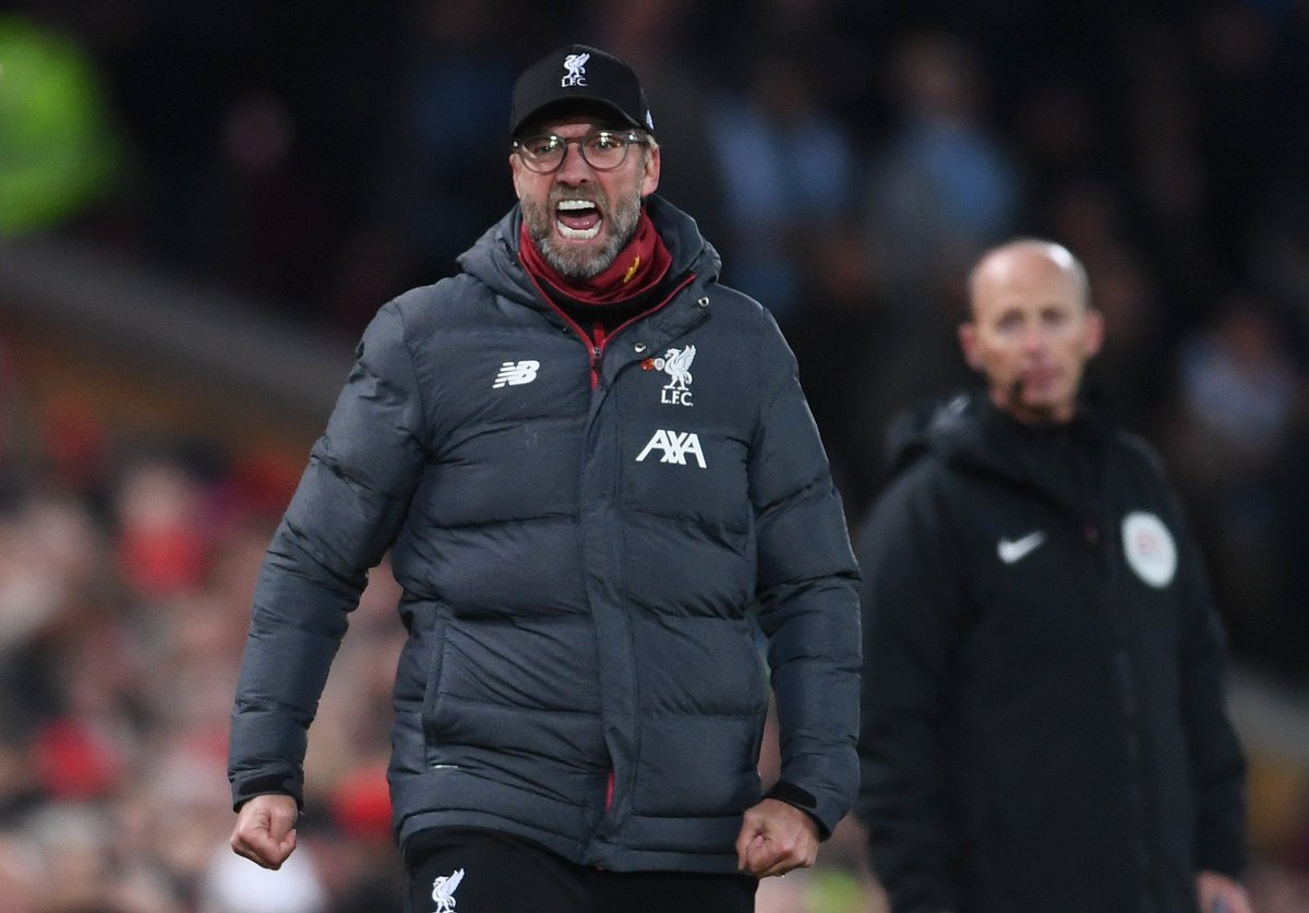 8 - Liverpool have won 11 of their first 12 Premier League games this season and lead the table by eight points – only Manchester United in 1993/94 have had a bigger lead after 12 games of a Premier League season (nine points). Outstanding. #LIVMCI