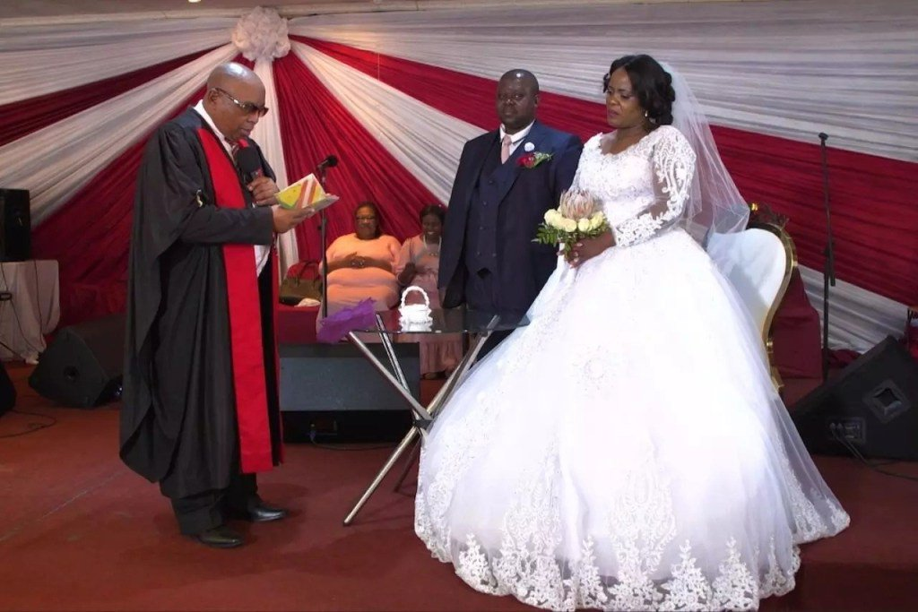 Mr and Mrs Malila's beautiful white wedding #OurPerfectWedding