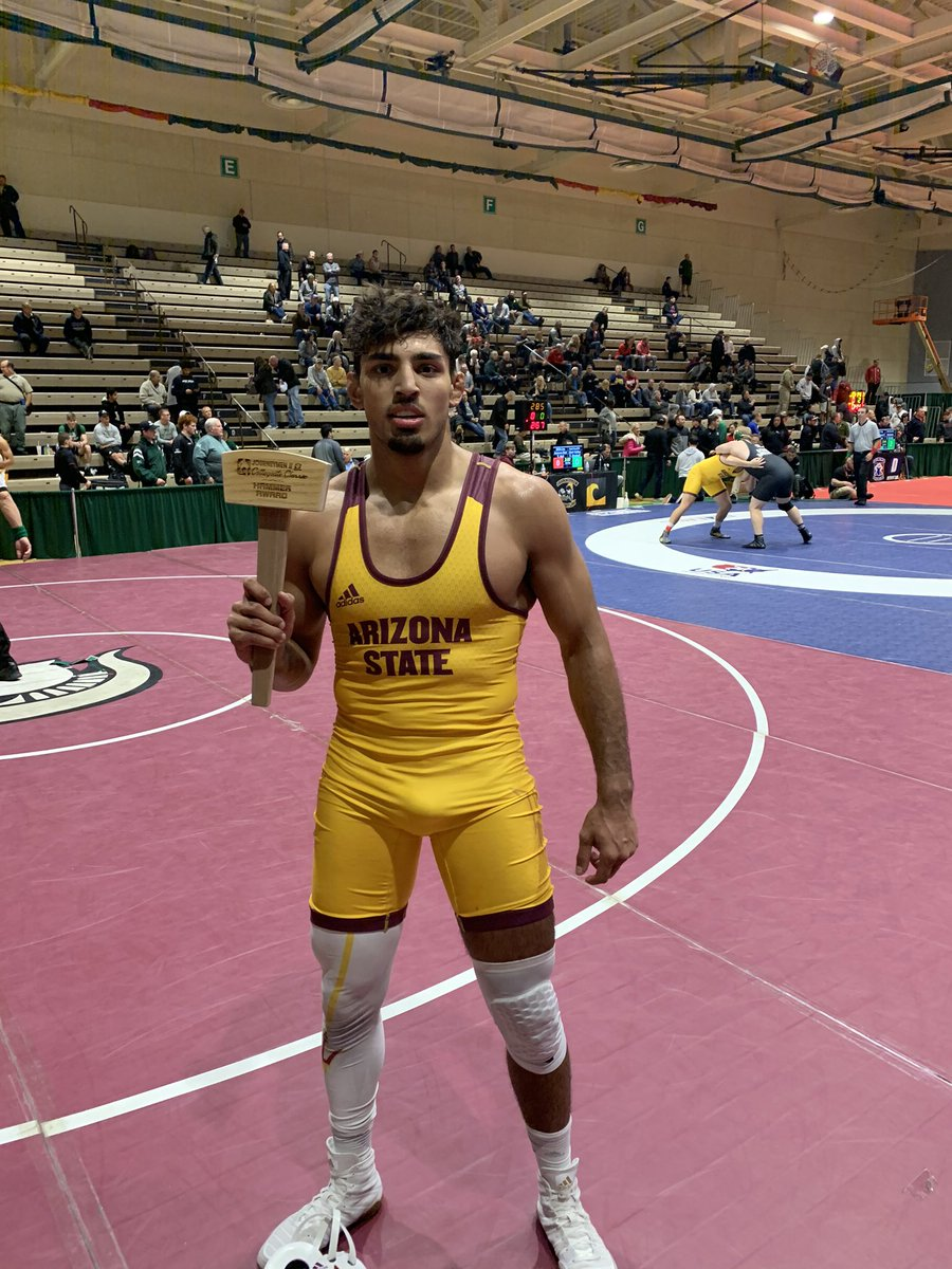 Zahid holds off Taylor Venz to take home the 184 pound Championship 🔨😈 #ForksUp