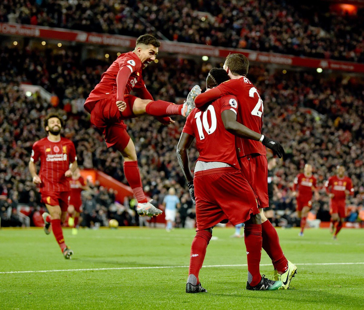 Never celebrate with Bobby 😫
