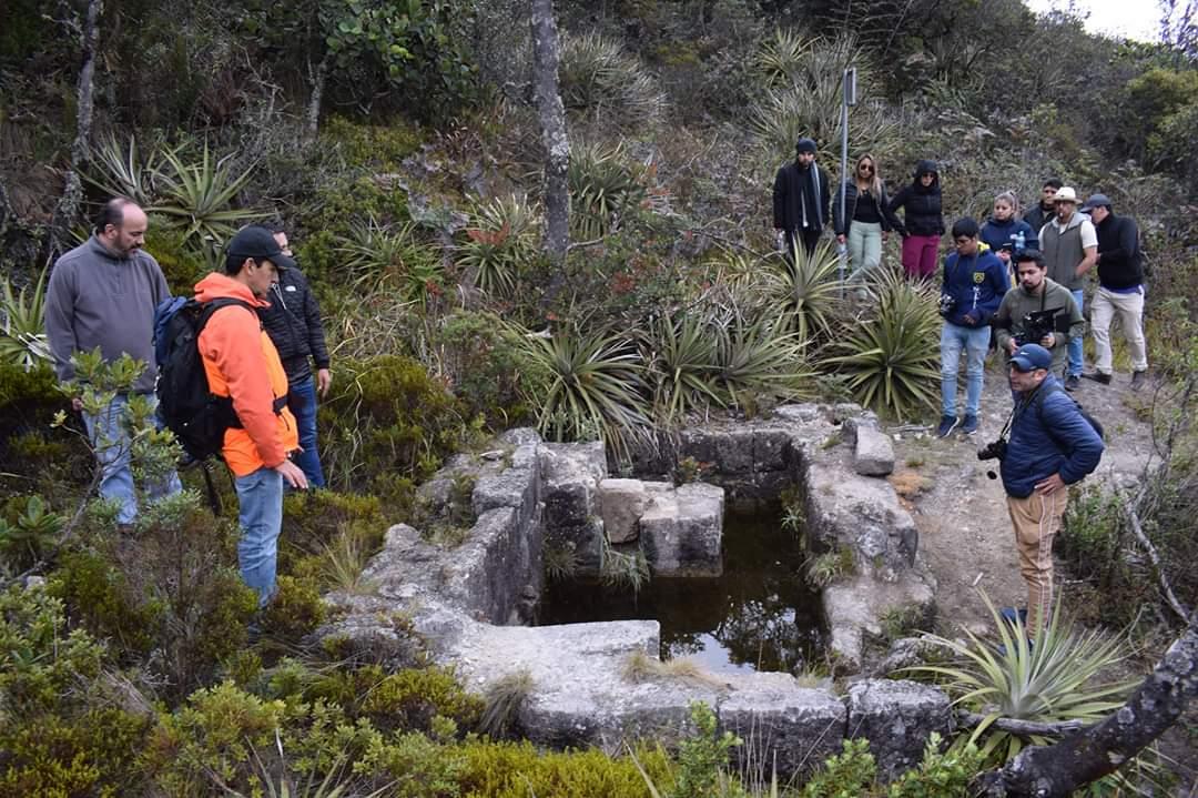 El @GADPucara acoge a #Turistas. #Pucara somos #Identidad #Cultura #Turismo; en esta ocasión recibimos a la familia #Salesiana; estudiantes de #ComunicacionSocial y #EducacionBasica, docentes @upsalesiana @blasgarzon @pedrocolangelo y arqueólogo Juan Vargas.  #LuisYánezAlcalde