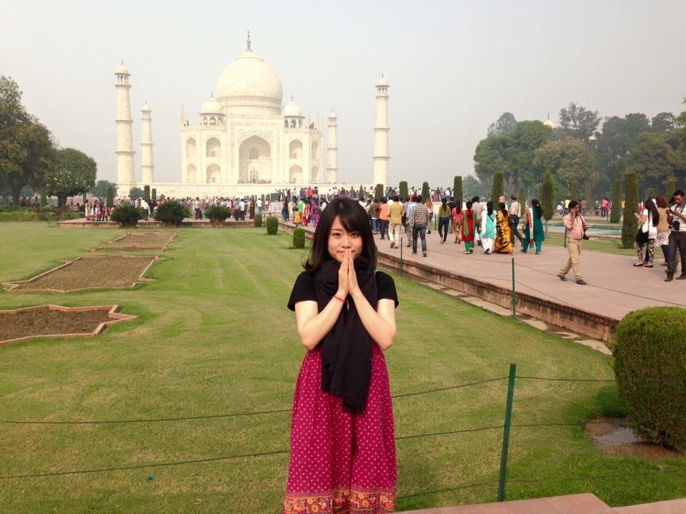 おっはようございます!!!無事に早起き成功でございます!!今日11月11日は忘れもしない、5年前にインド一人旅の大冒険が始まった日。インドに向かう飛行機の中で一人でわくわくしながらポッキーを食べてました。死ぬ前に一度でいいから行きたいなぁ。「Mother Ganges」