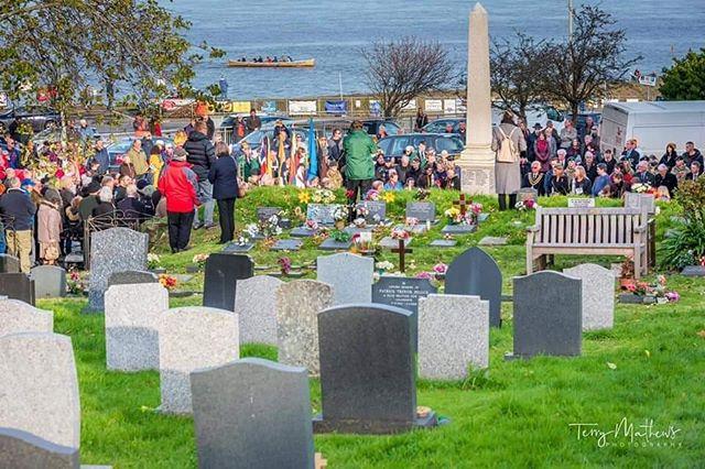 Remembrance Sunday service. Credit: Terry Matthews Photography #lestweforget #communitysport