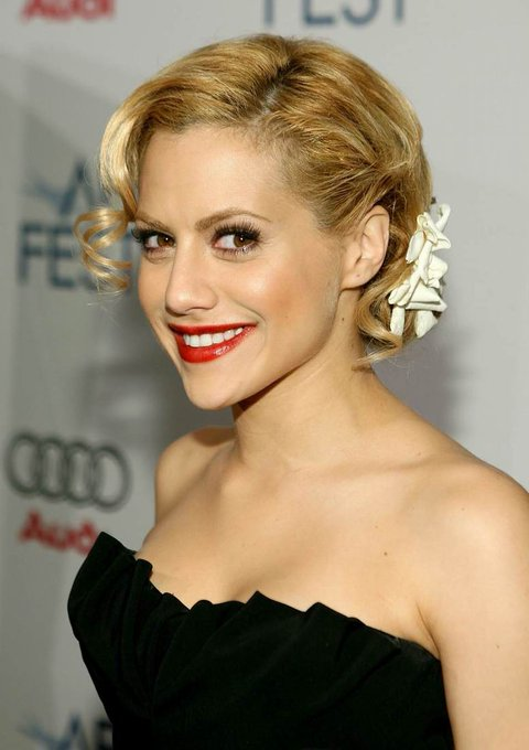 Today, the late great Brittany Murphy would have turned 42. Happy Birthday and RIP.