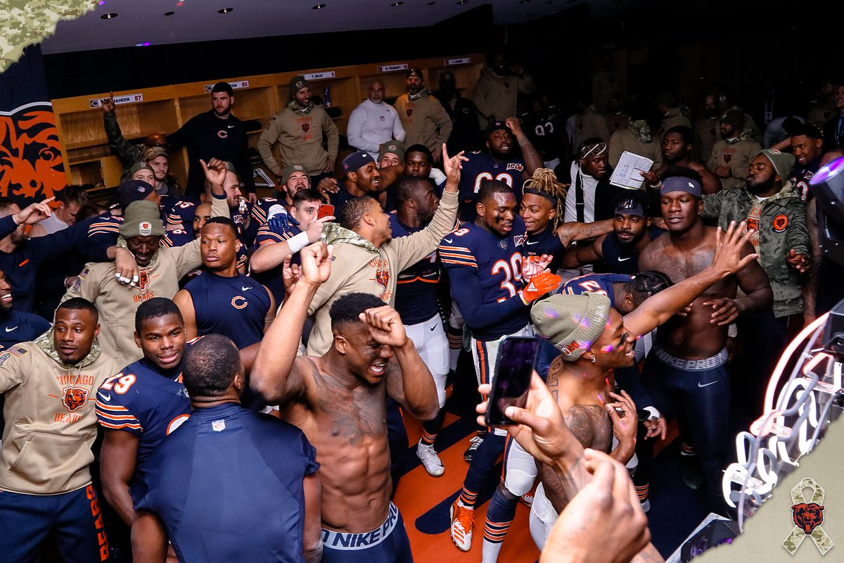 Bears Week 10 winners and losers: CBS' Dan Fouts asks why Matt Nagy bothers covering his mouth to call plays. 'What's he hiding, really?'