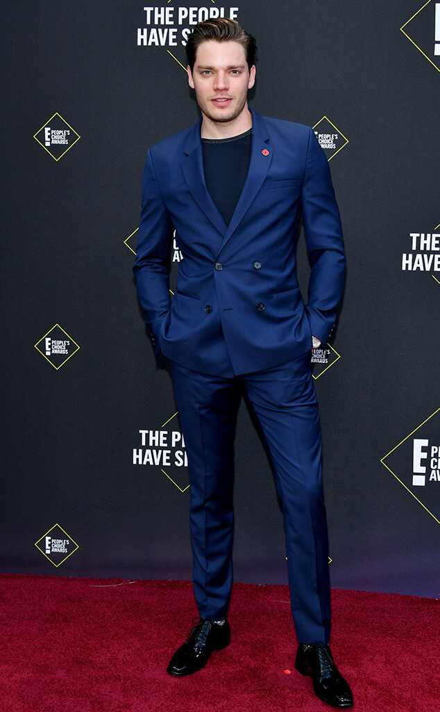 #DominicSherwood embelezando a sua timeline!  #PCAs #TapeteVermelhoE! (: Amy Sussman/E! Entertainment/NBCU Photo Bank)<br>http://pic.twitter.com/YZd4Lk1C3M